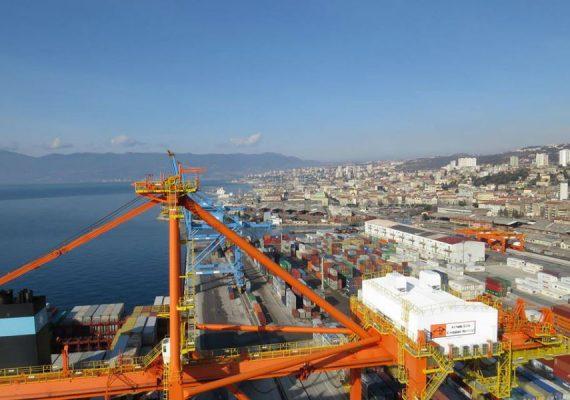Rijeka od ponedjeljka izravnim kontejnerskim servisom povezana s Pirejem